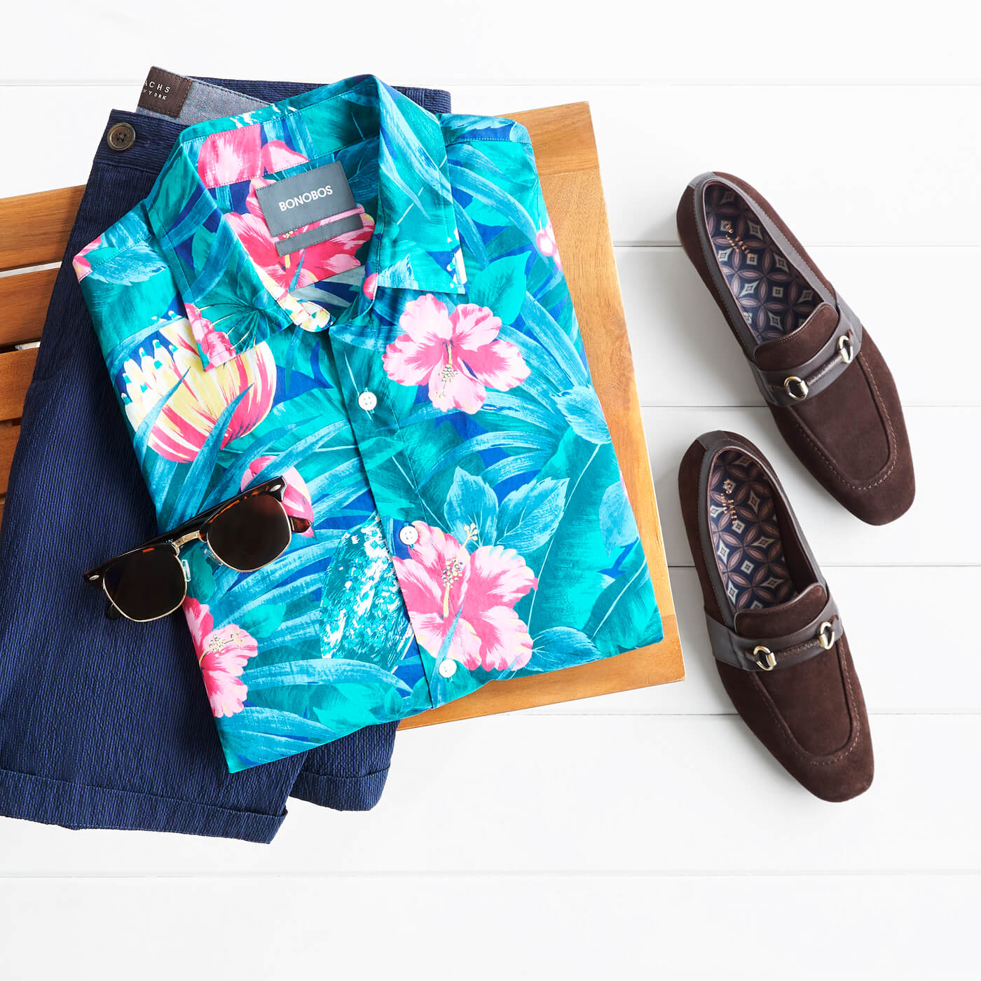 mens hawaiian shirt and shorts