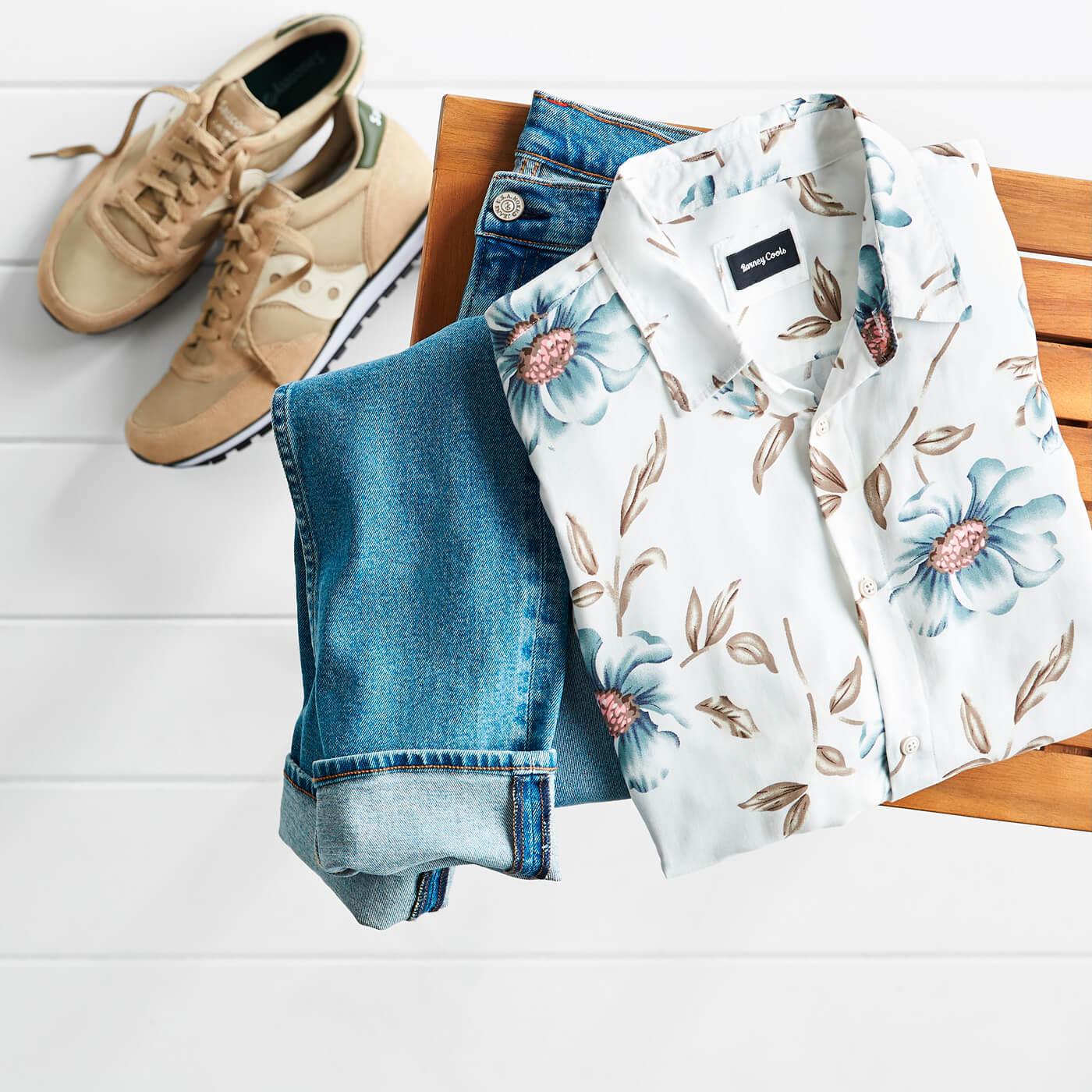 men's hawaiian print shirt and jeans